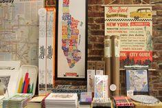 15 tiendas de Nueva York para regalos originales New York City Guide, New York Summer, Radio City Music Hall, Blogger Themes, Yorkie, Washington, Cool, Miami, Wanderlust