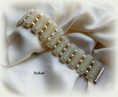 Szikati oldala: Gyöngyház kollekció / Pearl collection