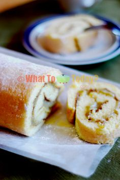 BOLU GULUNG WITH SRIKAYA/ SWISS ROLL WITH COCONUT AND EGGS JAM