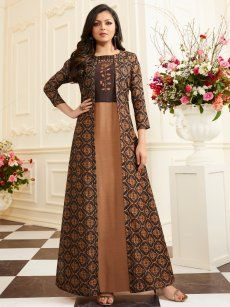 Buy accessories, footwear, lingerie's, designer kurtis & dresses at best price. Batik Fashion, Hijab Fashion, Fashion Dresses, Kurta Designs, Blouse Designs, Modele Hijab, Printed Gowns, Indian Gowns, Batik Dress