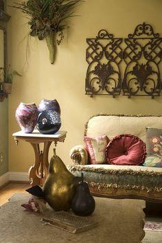 Living room detail - Experience the Butterfly Effect - www.butterflycreekinntryon.com