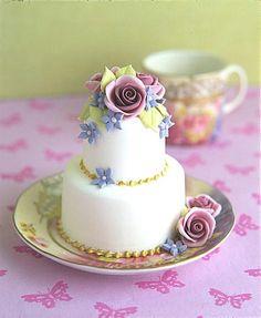 Peggy Porschen - Mini Tea Rose Wedding Cake
