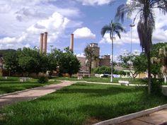 uma-das-primeiras-pracas-no-patio-da-antiga-fabrica Itaú de Minas
