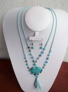 Collar doble azul, con piedra natural en corazon turqueza...