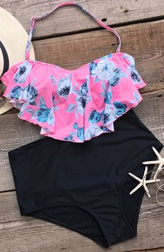 You wanna know what we love most about this Wow-worthy swimwear? The design comes down the entire set and it is a stunning look of bright color, dainty floral printing and amazing ruffle hem. You'll be proud to be seen in poolside this summer!