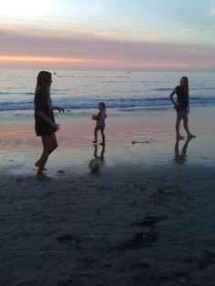 nina in the middle, la jolla shores-by mnkaz