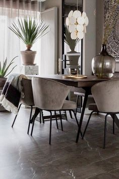 Stylist Marianne from vtwonen created this warm setting with our Admit chairs via eijerkamp for a make-over at Sadaf & Saman in Eemnes! Decor, Chic Dining Room, Furniture, Hotel Chic, Home Decor Kitchen, Dining Chairs, Dinner Room, House Interior, Home Deco