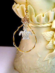 Gold Silver SEA TURTLE Hoop Earrings, handmade jewelry, gift for her, Friend Gift, Mom gift Sea Turtle Jewelry, Sea Turtle Art, Turtle Earrings, Gifts For Friends, Gifts For Mom, Handmade Silver, Handmade Jewelry, Nautical Jewelry, Jewelry Art