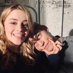 behind the scenes Tessa/Josephine and Hardin/Hero Couple Goals Relationships, Relationship Goals Pictures, Couple Aesthetic, After Movie, Hessa, Movie Couples, Photo Couple, Cute Couples Goals, Album Design