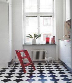 Maison créative #sol #floor #damier #cuisine #kitchen #decoration #tile #carrelage