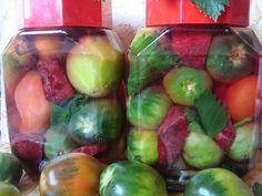 15 retete de muraturi pe care le poti pregati pentru iarna - CAIETUL CU RETETE Green Tomato Recipes, Romanian Food, Green Tomatoes, Pickles, Sprouts, Cooking Recipes, Stuffed Peppers, Vegetables, Blog