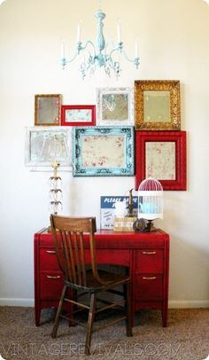 Love the collage of picture frames. Must find some this summer!