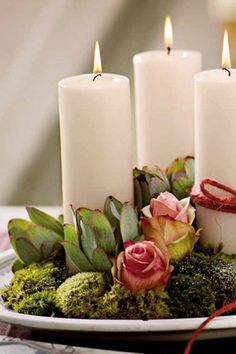 DIY Candles and Flowers all from the Dollar Store.Use on any occasion! Candle Lanterns, Diy Candles, Pillar Candles, White Candles, Deco Rose, Garden Candles, Candle In The Wind, Creation Deco, Deco Floral
