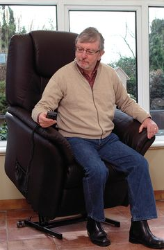 The affordable Havana Riser Recliner has a reclining backrest and an elevating footrest which are operated by the easy to use big button remote. It also has a rise feature that can raise a user from sitting to standing and vice-versa.
