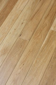 White-Oak-Real-Wood-Veneer-Floor-Engineered-not-Laminate-Flooring-pallet-Deal