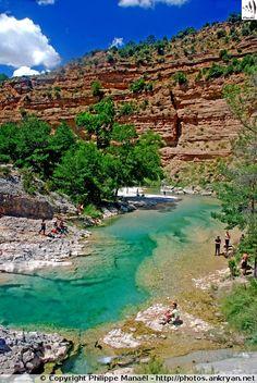 Eaux turquoises du Rio Alcanadre / Canyon de la Peonera (Sierra de Guara, Espagne)
