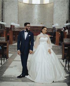 Wedding Veil, Wedding Gowns, Lace Dress Styles, The Way He Looks, Fashion Gallery, Designer Wedding Dresses, Fashion Dresses, Stylists, Bride