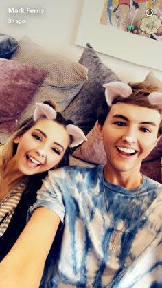 Zoe and Mark Mark Ferris, Zoe Sugg, Best Friendship, Zoella, The Fam, Girl Online, Youtubers, Snapchat, T Shirts For Women