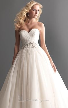 Allure+2607+by+Allure+Bridals+Romance%0A%0A