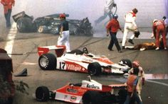 1978 RONNIE PETERSON TERRIBLE CRASH, James Hunt runs over to try to help