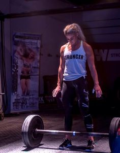 Ideas for fitness photoshoot crossfit workout Fitness Workouts, Sport Fitness, Muscle Fitness, Fitness Goals, Female Fitness, Gym Fitness, Crossfit Motivation, Sport Motivation, Powerlifting Motivation