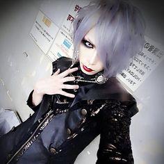 MORRIGAN KULOE (@kuloe_morrigan) | Twitter Visual Kei, Goth, Japanese, People, Lynch, Vampires, Inspiration, Beautiful, Bands