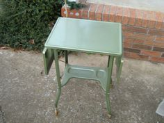 MID-CENTURY INDUSTRIAL GREEN METAL ROLLING DROP LEAF TYPEWRITER  TABLE W/LIGHT