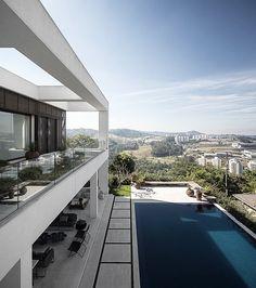Jaragua Residence in São Paulo, 2012 | Fernanda Marques Arquitetos Associados