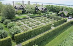 On a Hamptons estate in Watermill on Long Island Sound, landscape architect Quincy Hammond re-interpreted the English cottage vernacular to fill a grand space, with a rose garden, high hornbeam hedges, a reflecting pool—and a Sissinghurst-worthy white border.