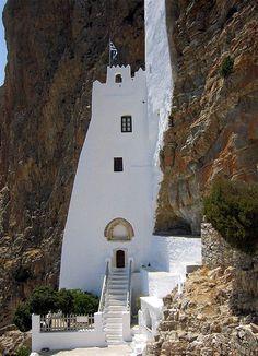 TRAVEL'IN GREECE I Hozoviotissa Monastery on the #Amorgos island, #Greece, #travelingreece