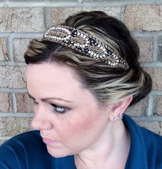 Coppertone Headband measures 19 inches in circumference with an elastic headband that is super comfortable and so easy to wear.   Wearing this hairband is the ultimate way to sparkle and shine. Looks absolutely amazing!  All you have to do is place headband on the top of your head like a crown, twist your hair around and tuck it under the elastic...continue until all hair is up in a bun. Complete up do in 3 minutes flat!!! Wear as a side pony Wear as a messy bun Wear as a headpiece