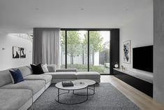 How To Quickly And Easily Create A Living Room Furniture Layout? Living Room Renovation, Room Design, Room Renovation, Room Interior, Living Room Interior, Classy Living Room, Open Living Room, Living Room Design Modern, Living Room Tv