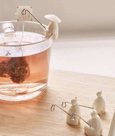 Fishermen tea bag holders, so cute. Could probably make these out of Fimo and wire Clay Projects, Clay Crafts, Tea Holder, Tea Infuser, Tea Strainer, Clay Creations, Biscuit, Tea Time, Tea Party