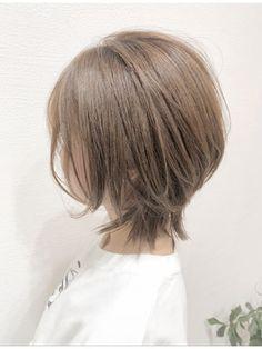 Medium Short Hair, Medium Hair Styles, Short Hair Styles, Short Straight Bob, Hair Inspiration, Bangs, Salons, Cool Hairstyles, Hair Cuts