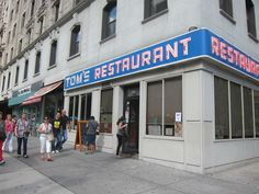 "Tom's Restaurant, 2880 Broadway, NYC - Made famous in Seinfeld as it was the diner so many great scenes were filmed in. Also inspiration for Suzanne Vegas song ""Toms Diner. Vintage Diner, Vintage New York, New York Vacation, New York Travel, Best Diners In Nyc, The New York Pass, New York Attractions, Ville New York, Toms"