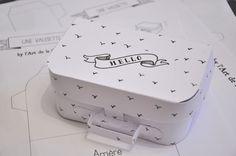 Patron de la valisette en carton à télécharger - Paper suitcase to download