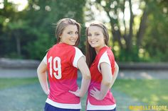 Seattle Senior Picture Photographer Michelle Moore photographs twins Tori and Savvy at the Ballard Locks and Golden Gardens