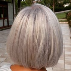 Silver Blonde Bob | For more style inspiration visit 40plusstyle.com