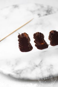 How to create chocolate feathers