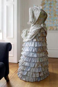 ℘ Paper Dress Prettiness ℘ art dress made of paper - Susan Stockwell Paper Fashion, Fashion Art, Fashion Clothes, Paper Clothes, Paper Dresses, Barbie Clothes, Recycled Dress, Newspaper Dress, Recycled Fashion