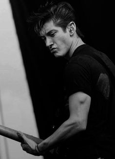 Alex Turner/TRICEP MUSCLE