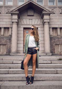 the-streetstyle:  Green Trenchviakenzas  www.fashionclue.net |...