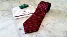 Authentic GUCCI Necktie,Made In Italy,100% Silk, Gucci Red, Gucci bag included…