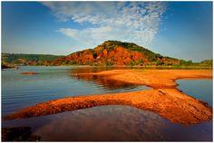 Lac du Salagou - Evening colors