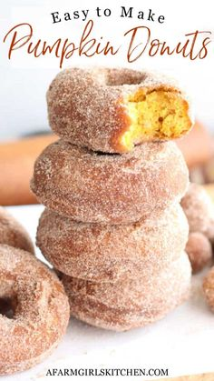 Best Pumpkin, Baked Pumpkin, Pumpkin Pumpkin, Pumpkin Doughnut Recipe, Baked Donuts, Doughnuts, Donut Recipes, Bread Recipes, Coffee And Donuts