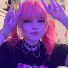 Aesthetic Hair, Bad Girl Aesthetic, Aesthetic Makeup, Aesthetic Grunge, Aesthetic Photo, Aesthetic Fashion, Aesthetic Pictures, Grunge Look, Style Grunge