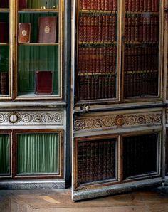 A door left ajar in Marie-Antoinette's library, (taken in 2008 by Robert Polidori) Versailles.
