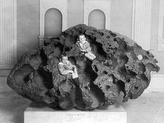 Willamette Meteorite, AMNH, New York Times, 1911.JPG