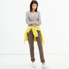 Sweter bawelniany z dekoltem w szpic