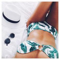 palms + round sunnies + fedora